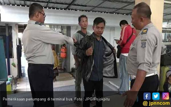Terminal Bus Perketat Pengamanan, Tas Semua Penumpang Diperiksa - JPNN.com