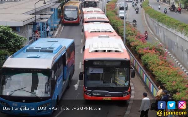 Bus TransJakarta Sebabkan Tabrakan Beruntun di Underpass Gandaria - JPNN.com