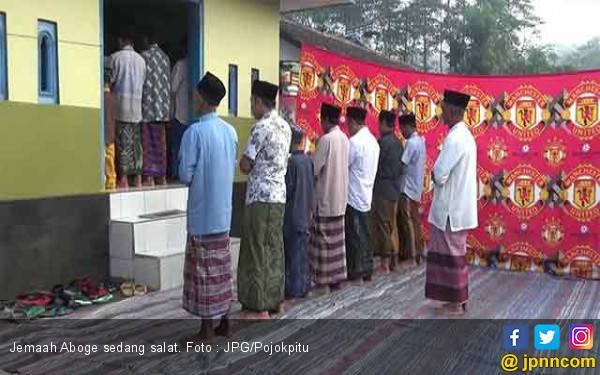 Seperti Biasa, Jadwal Salat Id dan idulfitri Jemaah Aboge Berbeda - JPNN.com