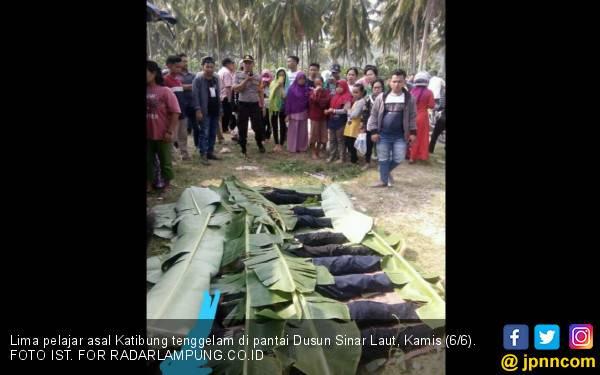 Tragis! Liburan Belasan Remaja ke Pantai Dusun Sinar Laut Berujung Maut - JPNN.com