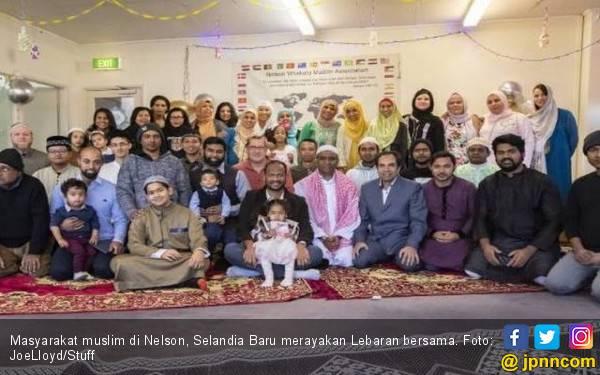 Move On dari Teror, Muslim Selandia Baru Berlebaran dalam Keceriaan - JPNN.com