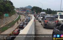 Pintu Masuk Pelabuhan Bakauheni Macet Total - JPNN.com