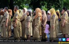 Sanksi Sudah Menanti Enam PNS Bolos - JPNN.com