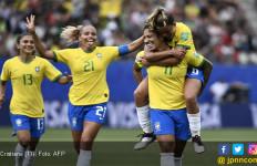 Cetak Hat-trick dalam Laga Brasil Vs Jamaika, Cristiane Lewati Rekor Cristiano Ronaldo, Lihat Gol Ketiganya - JPNN.com