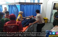 Kelelahan, Belasan Penumpang Arus Balik Pingsan di Pelabuhan Bakauheni - JPNN.com