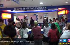 Usai Libur Lebaran Ratusan Warga Serbu Kantor Satlantas - JPNN.com
