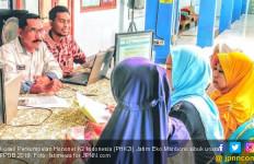 Honorer K2 Pro Prabowo Antusias ke MK, Pendukung Jokowi Fokus PPDB - JPNN.com