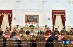 Jokowi Intensif Bertemu Pelaku Usaha: Jangan Sampai Kita Kalah dari Singapura - JPNN.com