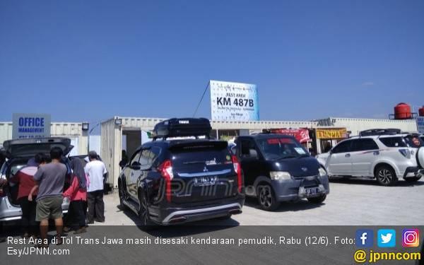 Rest Area Darurat di Tol Trans Jawa, Panas dan Gersang - JPNN.com