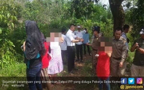 Diduga Jadi Tempat Mesum, Pondok Asmara Dibongkar, 6 Wanita Diamankan - JPNN.com