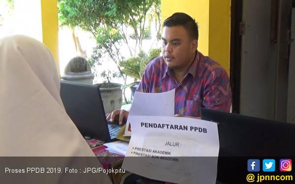 Pendaftaran PPDB Online SMP: Nilai Ujian Dipakai di Jalur Prestasi - JPNN.com