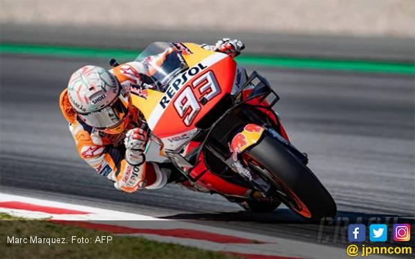 Lorenzo, Dovizioso, Vinales dan Rossi Jatuh Bareng, Marquez Juara MotoGP Catalunya - JPNN.com