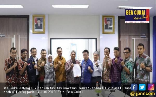 Bea Cukai Beri PT Mutiara Busana Indah Fasilitas Kawasan Berikat - JPNN.com