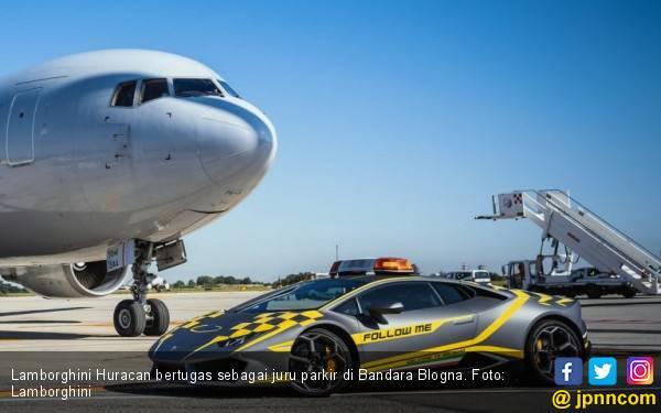 Mewah! Bandara Bologna Pakai Juru Parkir dari Lamborghini Huracan - JPNN.com