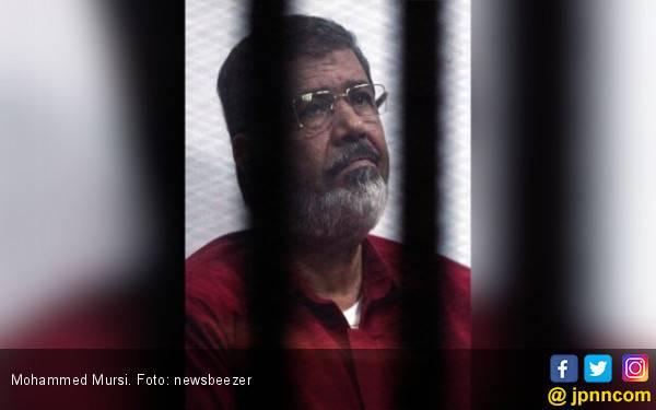 Mantan Presiden Mesir Mohammed Mursi Meninggal di Ruang Sidang - JPNN.com