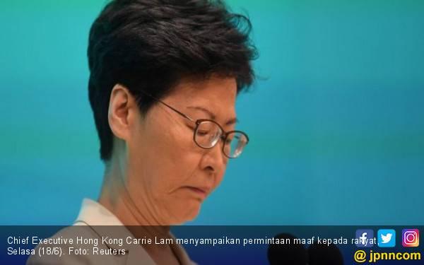 Pemimpin Hong Kong Bersembunyi Saat Rakyat Mengamuk di Jalan - JPNN.com