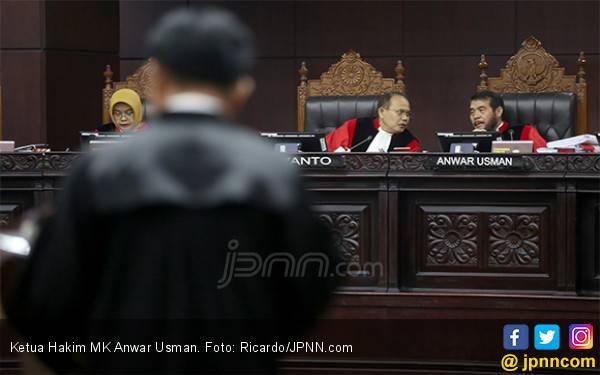 Tim Kuasa Hukum Paslon 02 Klaim Sudah Serahkan Bukti soal 17,5 Juta Data Invalid Pilpres 2019 - JPNN.com