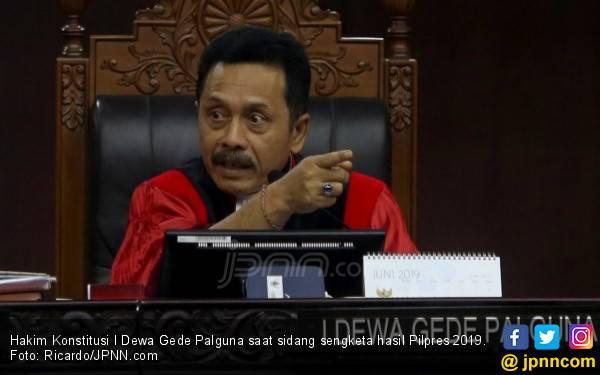 Kuasa Hukum Jokowi – Ma'ruf Curiga Bukti yang Dibawa Beti Palsu - JPNN.com