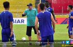 Gagal Kalahkan Semen Padang, Pelatih Persib Kecewa Berat - JPNN.com