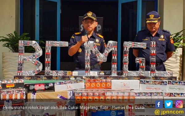 Bea Cukai Musnahkan Ratusan Ribu Batang Rokok Ilegal - JPNN.com