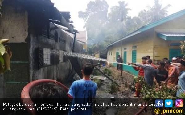 Pabrik Korek Api di Langkat Terbakar, 21 Karyawan Dilaporkan Tewas Terpanggang - JPNN.com
