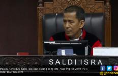 MK Tolak Eksepsi KPU dan Paslon 01 Terkait Perbaikan Permohonan Paslon 02 - JPNN.com