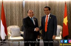 Bertemu PM Nguyen, Jokowi Dorong Penyelesaian Batas ZEE RI - Vietnam - JPNN.com
