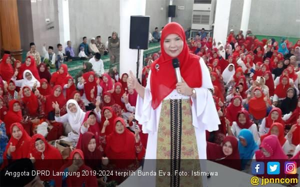 Bunda Eva, Caleg PDIP Peraih Suara Terbanyak di Lampung Layak Jadi Ketua DPRD - JPNN.com