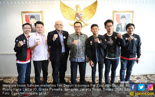 Menpora Bangga Tim Esport Indonesia Ikut Kejuaraan Dunia PES League 2019 di London - JPNN.com