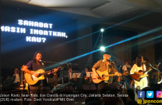 Iwan Fals Mendadak Muncul di Konser Jason Ranti dan Danilla - JPNN.com