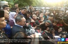 MK Belum Selesai Baca Putusan, Ketum PAN Sudah Pamit kepada Prabowo - JPNN.com