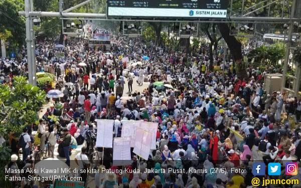 Orasi di Aksi Kawal MK, Ketum FPI: Banyak Teman Kita Dipenjara Rezim - JPNN.com