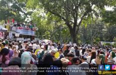 Mulai Berunjuk Rasa, Orator Ajak Massa Viralkan Foto dan Video Aksi Kawal MK - JPNN.com
