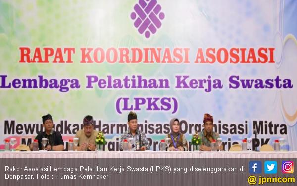 Kemnaker Ajak LPKS Tingkatkan Kualitas Pelatihan Kerja - JPNN.com