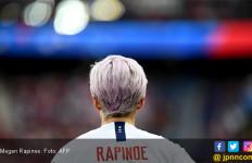 Megan Rapinoe, Lesbian Berambut Ungu yang Menarik Perhatian Zac Efron dan Donald Trump - JPNN.com