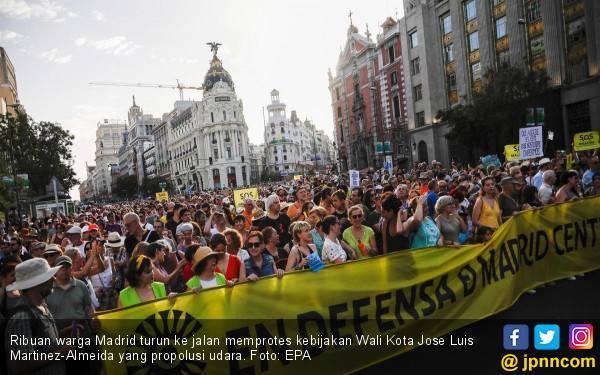 Warga Madrid Kecam Wali Kota Propolusi Udara - JPNN.com