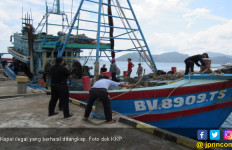 KKP Tangkap 2 Kapal Perikanan Asing Ilegal - JPNN.com