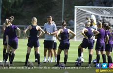 Semifinal Piala Dunia Wanita 2019 Inggris vs AS: Neville Mencium Kebahagiaan Pemainnya - JPNN.com