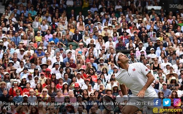 Untuk ke-17 Kali Berturut-turut, Roger Federer Lolos ke Babak Kedua Wimbledon - JPNN.com