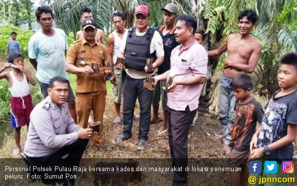 Niat Mencari Ikan Malah Menemukan 66 Butir Peluru Aktif - JPNN.com