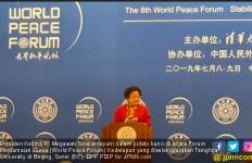 Megawati Sampaikan Pesan Khusus Saat Bicara di Forum Perdamaian Dunia Beijing - JPNN.com