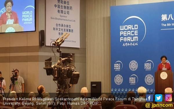 Berpidato di World Peace Forum, Bu Mega Beber Ide Bung Karno Wujudkan Perdamaian Dunia - JPNN.com