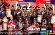 HUT Bhayangkara, Polri Bagi - Bagi Hadiah Uang dan Motor - JPNN.com