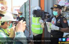 Bea Cukai Tanjung Perak Tindak 210 Ton Waste Paper dari Australia - JPNN.com