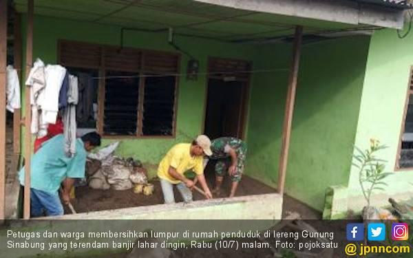 Banjir Lahar Dingin Rendam Dua Desa di Lereng Gunung Sinabung - JPNN.com