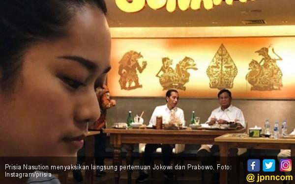 Kok Prisia Nasution Ada di Lokasi Pertemuan Jokowi dan Prabowo? - JPNN.com