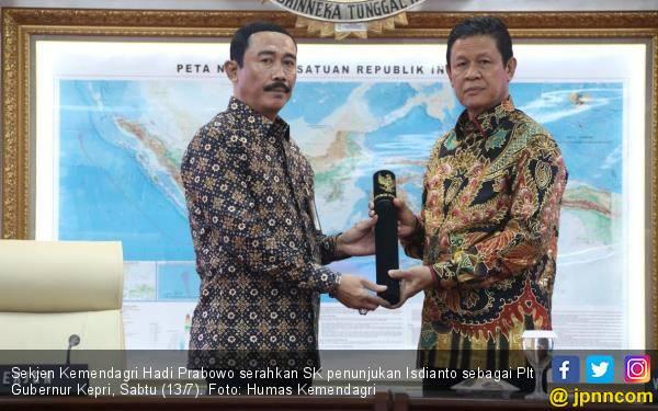Politikus PDIP Resmi Jadi Plt Gubernur Kepri - JPNN.com