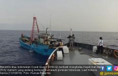 Bakamla Berhasil Menghalau Kapal Ikan Asal Vietnam - JPNN.com