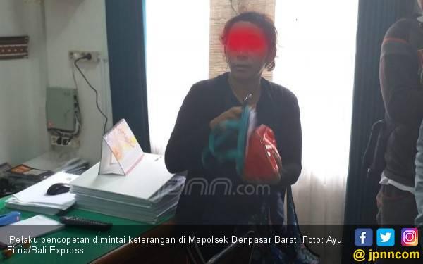 Perempuan Ini Berbuat Dosa di Depan Ruang Tahanan, Terekam CCTV - JPNN.com
