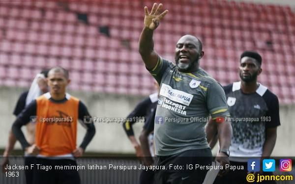 Persipura vs Madura United: Jacksen F Tiago Sudah Temukan Formula Jitu - JPNN.com